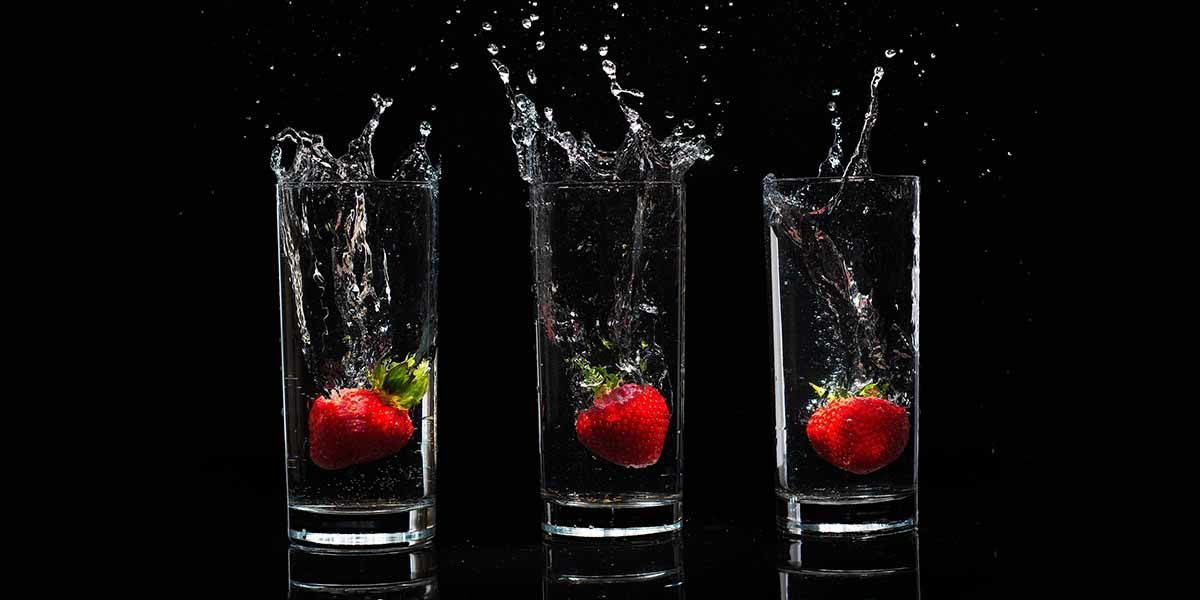 aardbeien-achter-glas-keukenprint-volledig